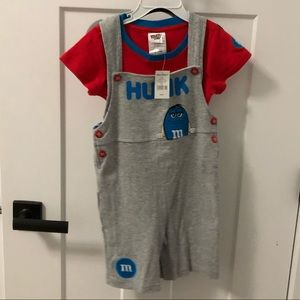M&M outfit 24 M